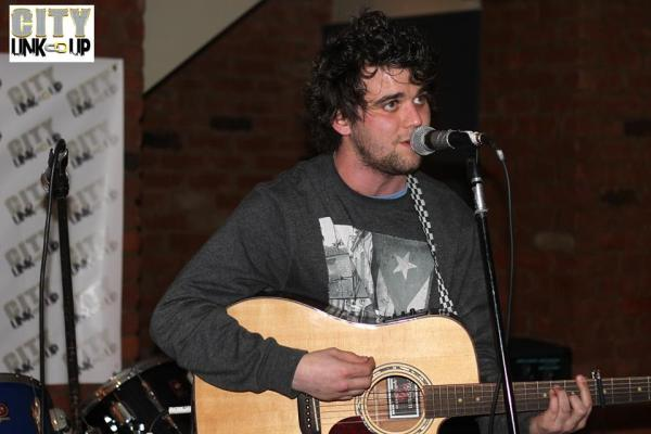 Singer songwriter Michael Vickers
