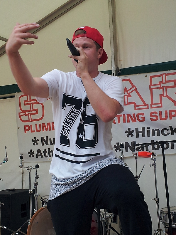Jonezy's performance at Enderby festival, July 2016
