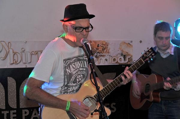 Bowbridge band at Oxjam Leicester 2016. Photo Trevor Sewell.