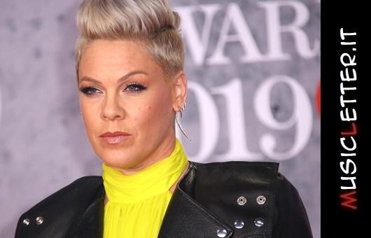 La cantante Pink guarisce dal covid-19 e dona un milione di dollari