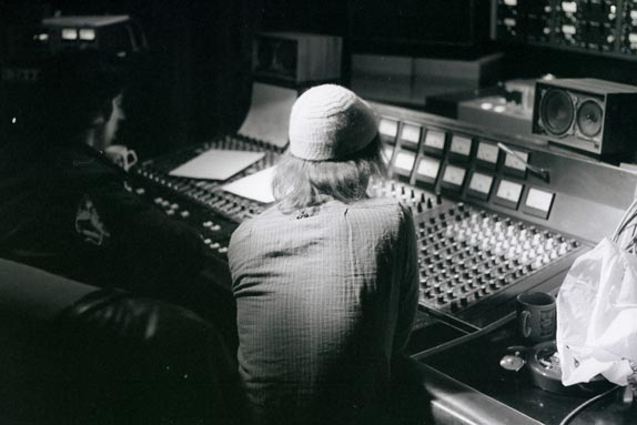 John Loder & Pete Stennett Southern studios - May 1981 (remixing off the beach)