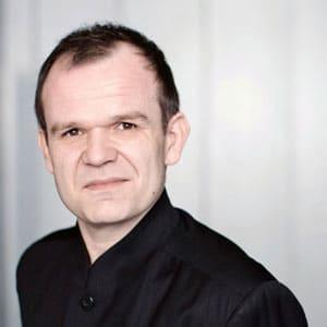 François-Xavier Roth(Photo: Marco Borggreve)