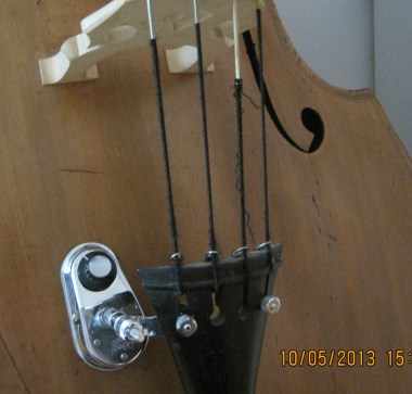 Model 900 Attachable transducer pickup for Bass viol
