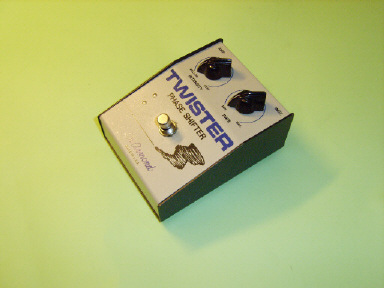 Model 1930 Twister phase shifter pedal, requires integral 9V battery driving a printed circuit-board