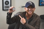 Cole Swindell Receives MusicRow's First-Ever No. 1 Challenge Coin