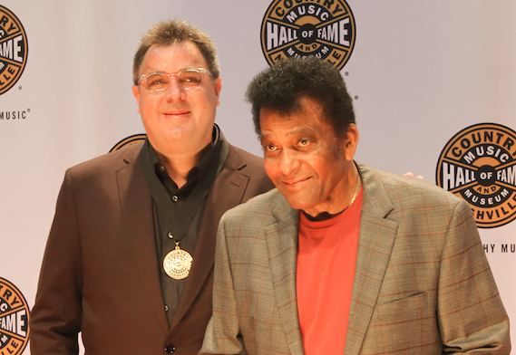 Vince Gill with Charlie Pride on the CMHoF Medallion Ceremony Red Carpet. Photo: Bev Moser/Moments By Moser