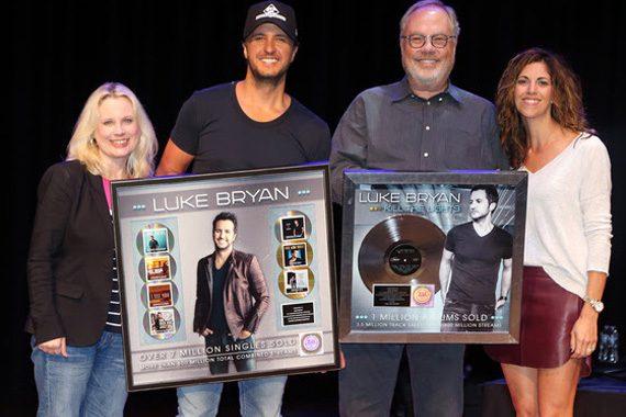 Luke Bryan Celebrates Seven Consecutive No. 1 Singles