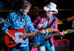 Brad Paisley Kicks Off 'Love And War' Release With Surprise Nashville Show