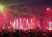 Sympathy for The Devil - Stones at Hyde Park (1)