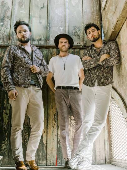 Pop Folk Trio