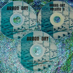 "Green Day Music Video Anthology & ""Making of The Music Videos"" Documentaries 1993-2012 (3 DVD Set 5 Hrs.) UPDATED includes ""OH LOVE"" !!!"