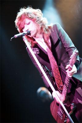<写真>一夜限りの復活ライブを発表した清春(2008年11月1日)