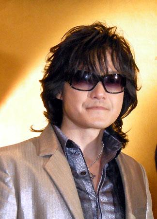 長期休養を発表したTOSHI(2009年10月31日)