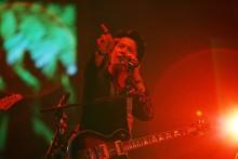 [写真]福山雅治「冬の大感謝祭」最終公演で熱唱<1>