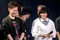 談笑する欅坂46平手友梨奈