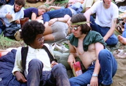 2 hippies at a festival