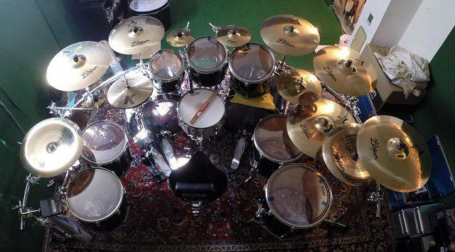 gutes Mittelklasse Drumset  MusikerBoard
