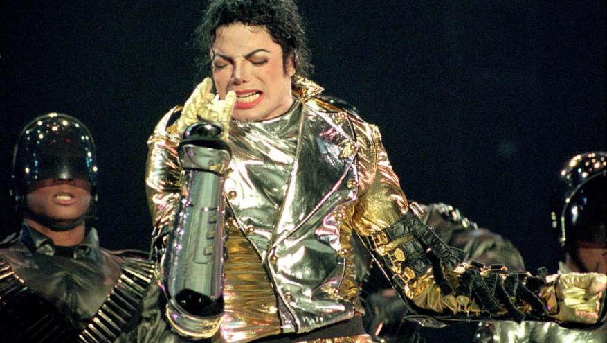 AUCKLAND, NEW ZEALAND - NOVEMBER 10:  Michael Jackson performs on stage during is 'HIStory' world tour concert at Ericsson St