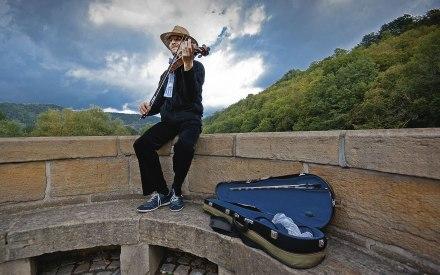 Musiker:in. Foto: Hufner