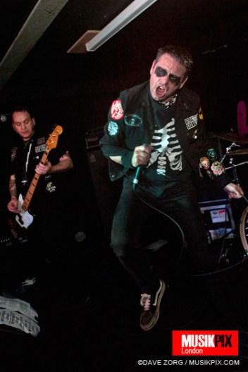 UK metallic garage punk band The Hip Priests performed live at The Pipeline in London, as part of Deathtime Assembly.