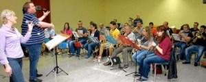 Bericht über Konzertvorbereitung Swing and Sing Schwetzinger Zeitung