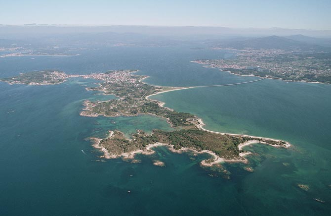 Aerial View of Illa de Arousa (image courtesy of Diara de Arousa)