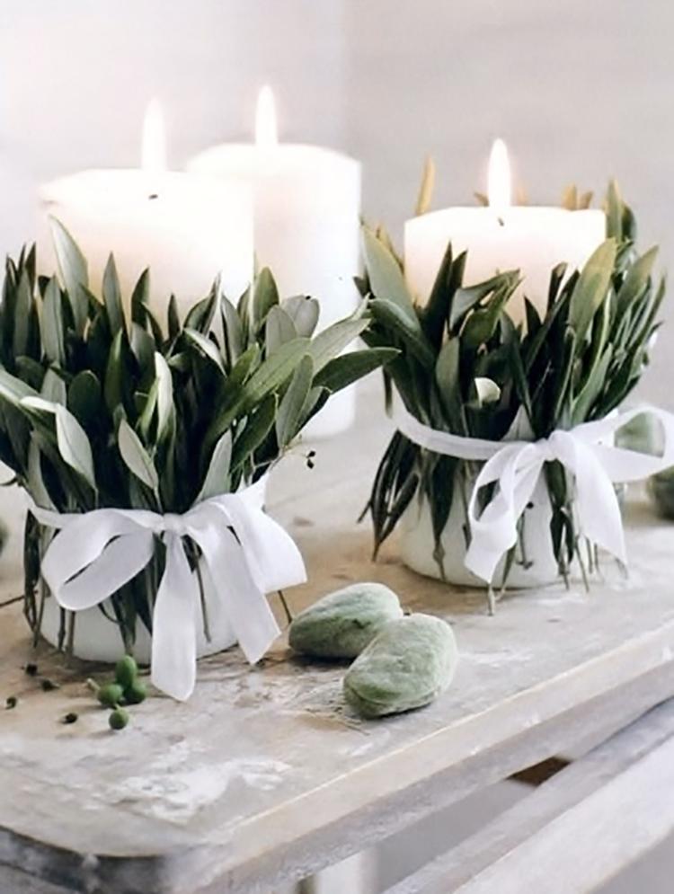 simple-holiday-decor-eucalyptus-candles