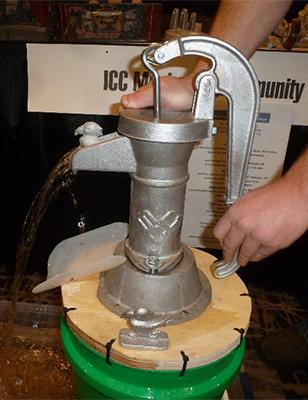 MCC's Aluminum Hand Pump