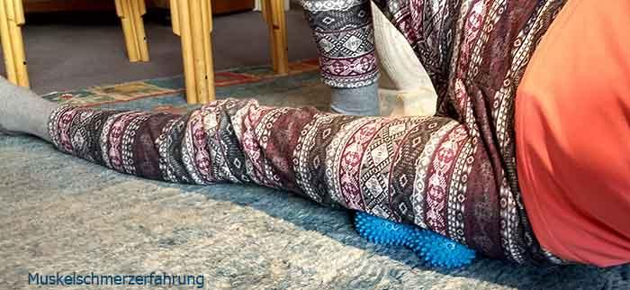 Beinseite mit Igelrolle massieren