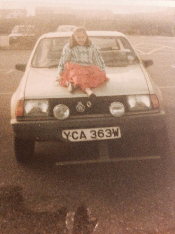 Look at those lights on the car. Oh and that hideous jumper I'm wearing!