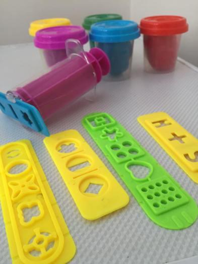 Desi Doll fun dough arabic letters tools