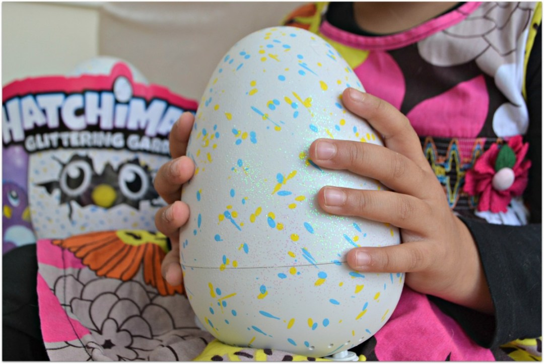 Glitter Hatchimal Egg