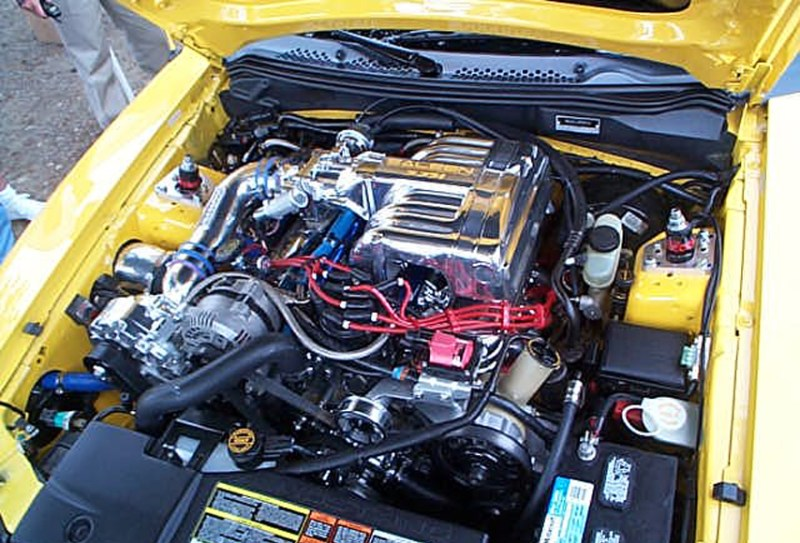 Doładowany 5.8 V8