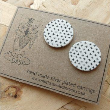 Circular Patterned Earrings  – White – Cross Pattern5