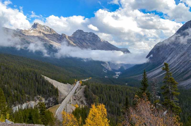 Driving the Icefields Parkway