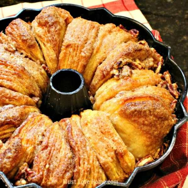 This is flat out the most AMAZING Cinnamon Walnut Monkey Bread recipe ever! You just need 5 simple ingredients to be in Breakfast, Brunch, Dinner or anytime Heaven! Do not eat this alone, you will finish the entire pan yourself!!