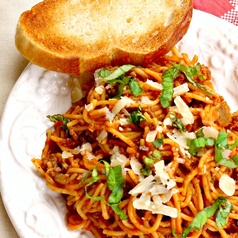 Easy Crock Pot Spaghetti • Must Love Home