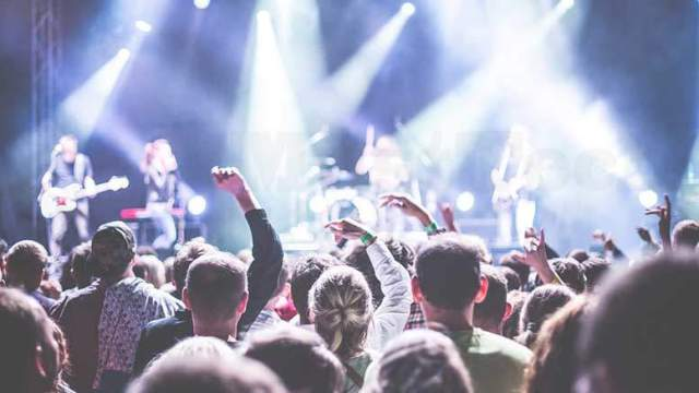 Facebook and Live Nation to organize concert tours more easily