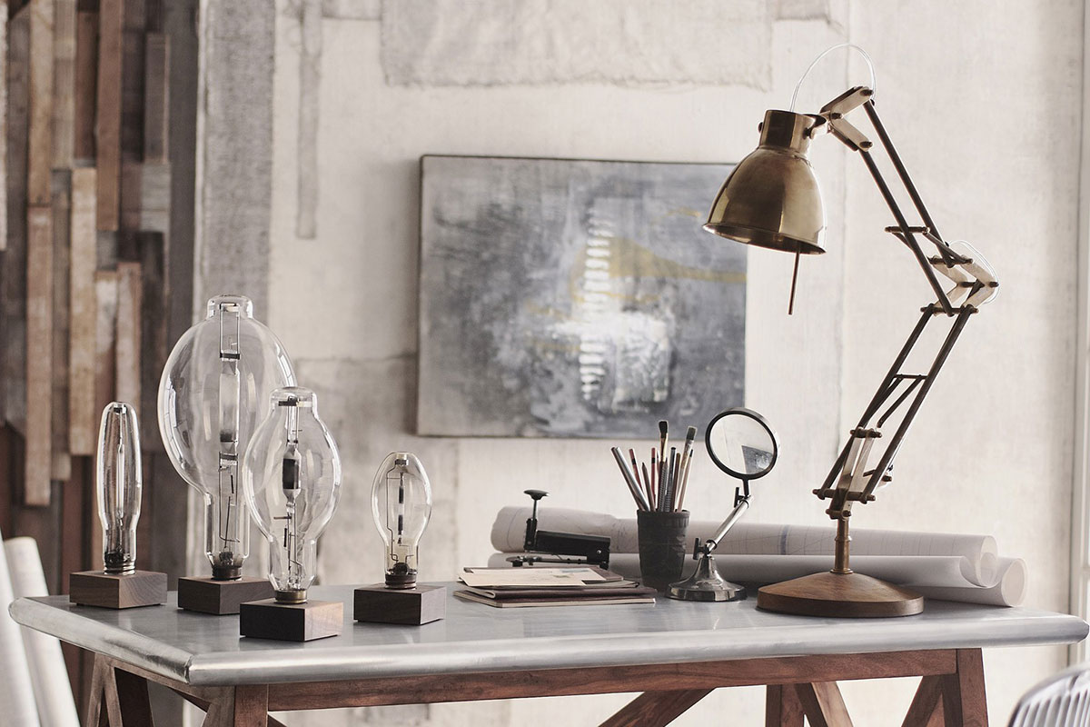 Enzo Articulated Lamp Base