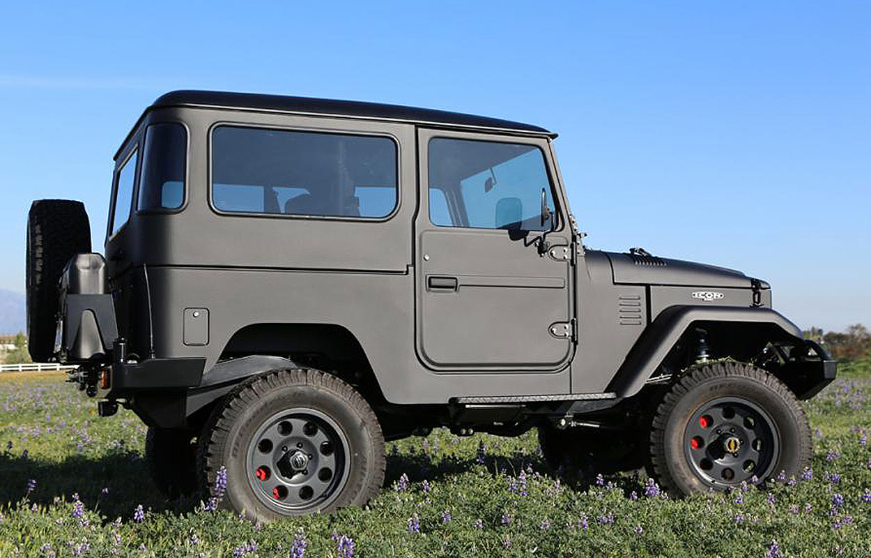 TOYOTA ICON LAND CRUISER FJ40
