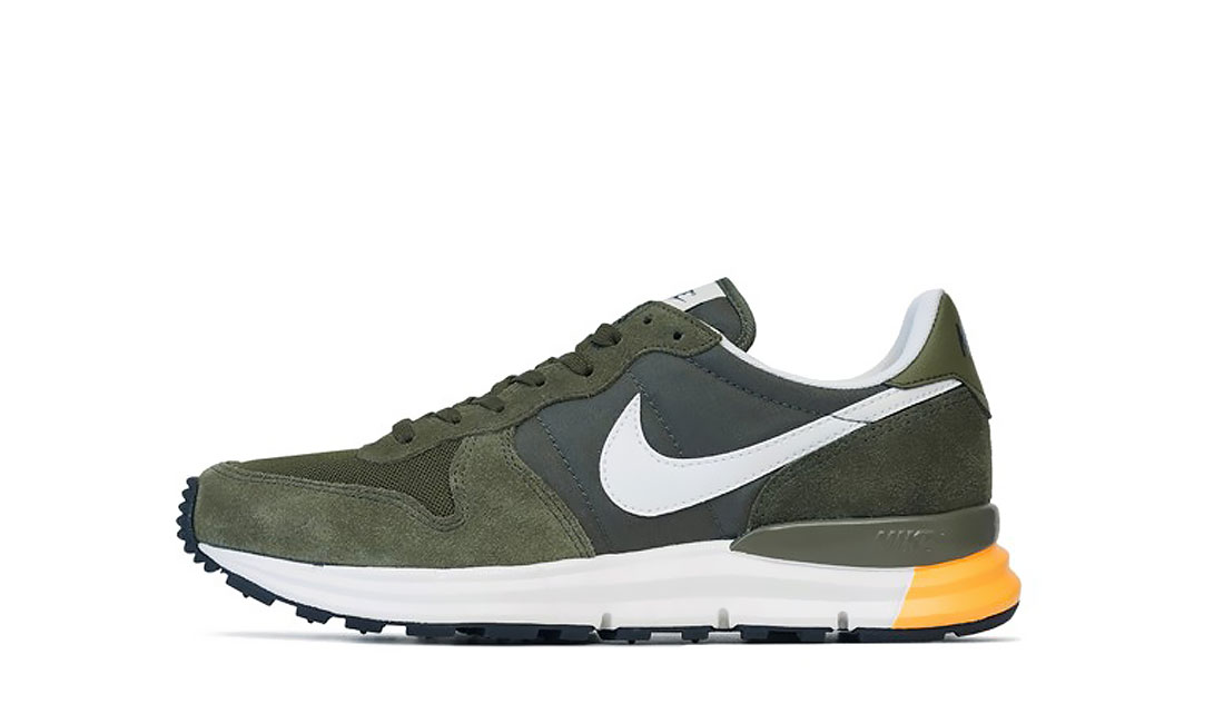 NIKE LUNAR INTERNATIONALIST - CARGO KHAKI & MEDIUM OLIVE