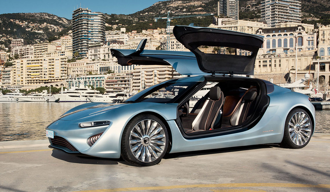 QUANT E-SPORTLIMOUSINE RUNS ON SALT WATER
