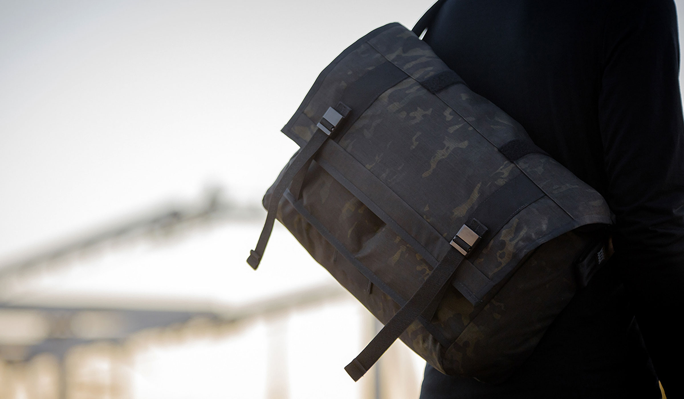 MISSION WORKSHOP BLACK CAMO SERIES MESSENGER BAG