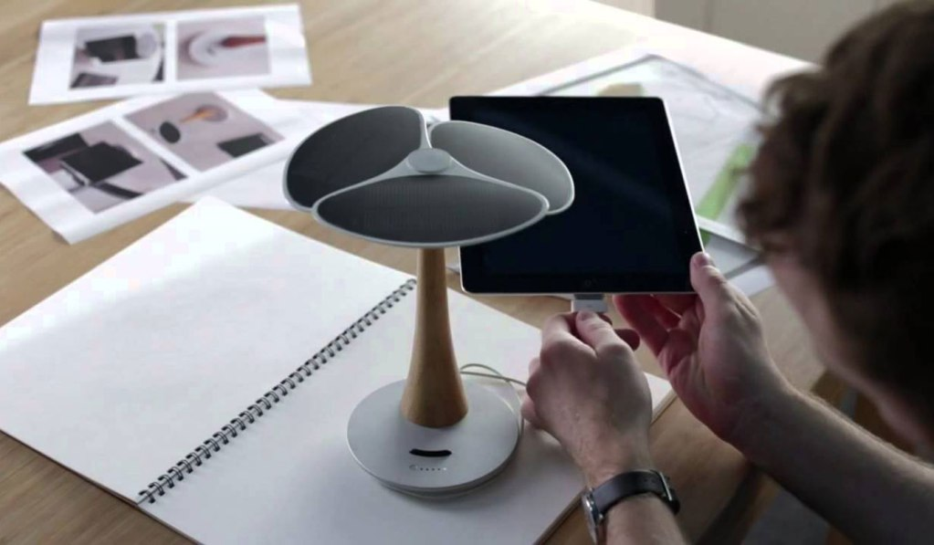 GINGKO SOLAR TREE CHARGING STATION