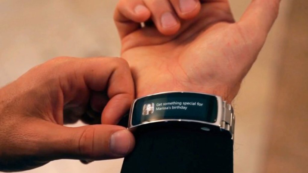 LINK MAKES ANY WATCH A SMARTWATCH