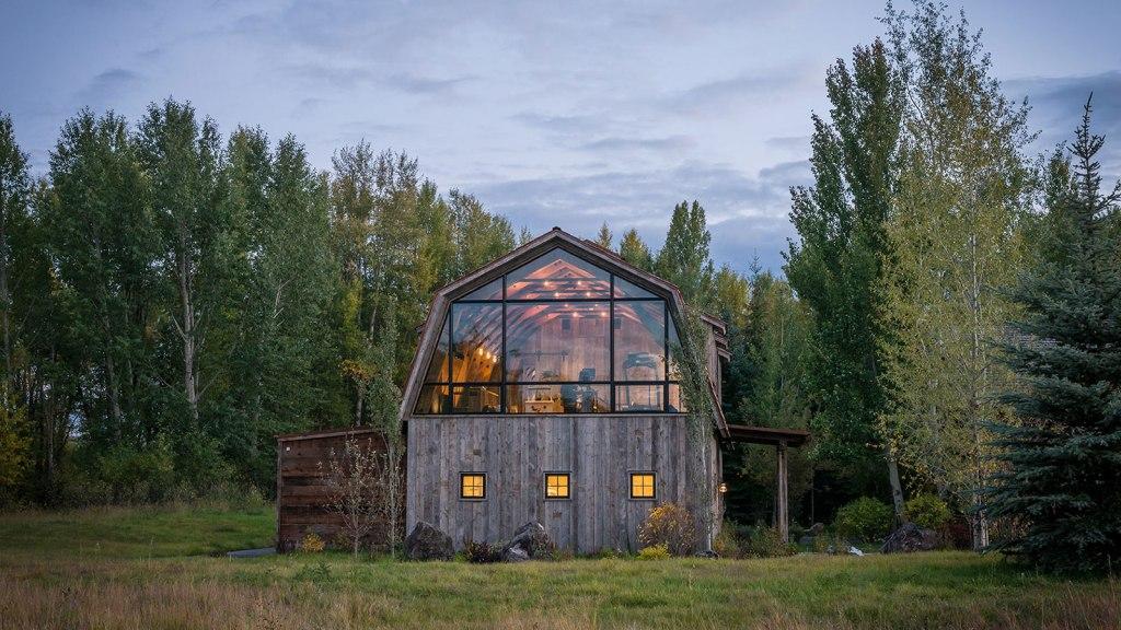 The Barn by Carney Logan Burke Architects