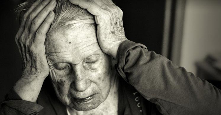 Alzheimer Hastalığı Nedir? Belirtileri, Nedenleri ve Tedavisi