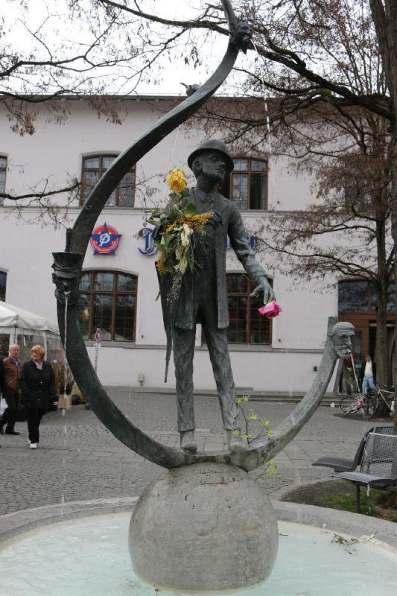 KarlValentinBrunnen Viktualienmarkt Altstadt Mnchen