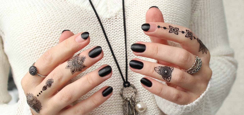 Halloween Nails Probelle Textured Black With Henna Tattoos Mari S Nail Polish Blog