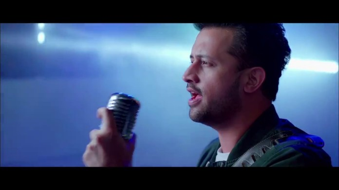 Jee Lay Har Pal (Sochta Kyu Hai) by Atif Aslam (Music Video)